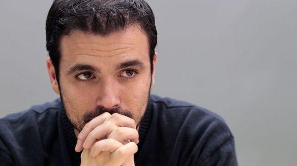 Alberto Garzón pensando